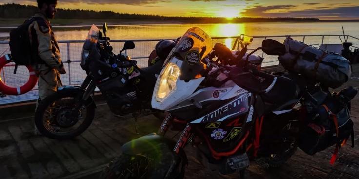 ride-must-go-on-ktm-adv-r-4