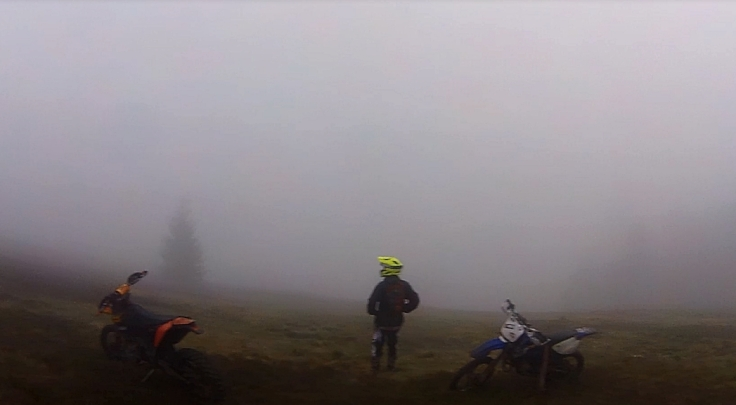 extreme-enduro-trip-river-to-sky-with-bro