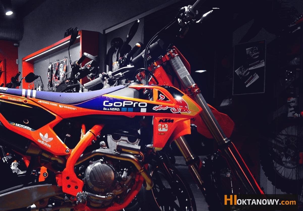 Spojrzenie na KTM 250 SX-F 2016 Factory Edition