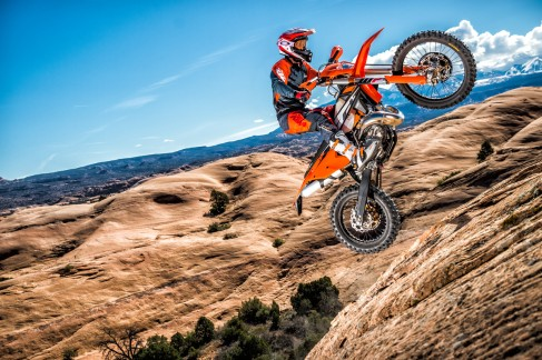 143505_KTM EXC MY 2017 Action