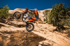 143508_KTM EXC MY 2017 Action