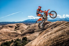 143529_KTM EXC MY 2017 Action