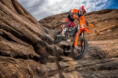 143542_KTM EXC MY 2017 Action