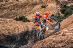 143543_KTM EXC MY 2017 Action