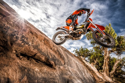 143554_KTM EXC MY 2017 Action