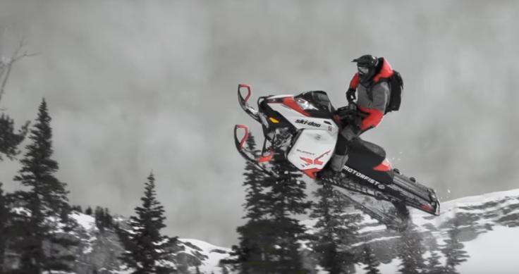 snowbike-vs-sled.jpg